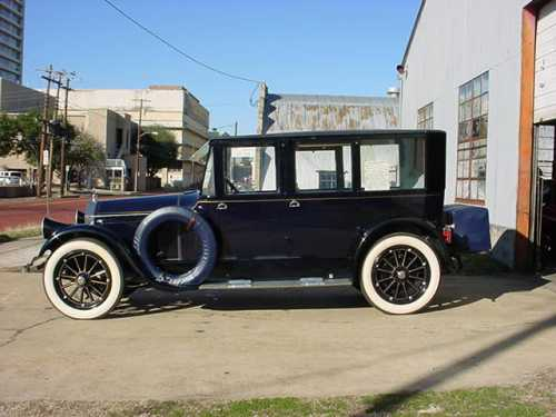 1921 Pierce Arrow Model 32