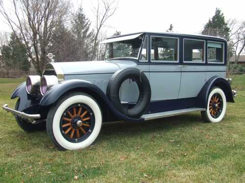 1927 Pierce Arrow Model 36 Limousine