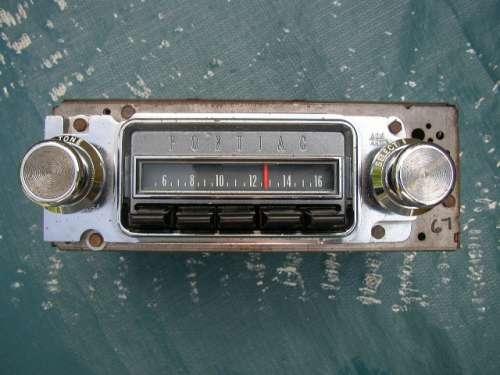 1967 Pontiac Radio